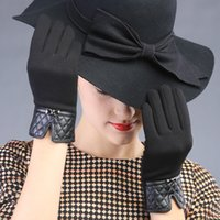Venda por atacado - New Plush Lace Women Vintage Houndstooth coreano Warm Cotton luvas de leahter Touch Screen Vogue veludo metal bow knot Mittens