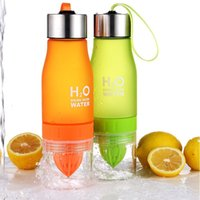 Bottle sports squeeze bottle - H2O Lemon Juice Fruit Water Bottle Plastic Portable Infuser Drinkware Hand squeeze cup For Outdoor Shaker Sports Bottle