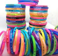 браслет силиконовый браслет смешанный оптовых-Партия мешок наполнители прекрасный топ смешанные мужчины женщины красивые силиконовые браслеты дети удивительные браслеты ювелирные изделия новый