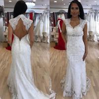 spitze gerade hochzeitskleid großhandel-Open Back Braut Kleider für Braut Square Neck Lace Gerade Brautkleider mit Perlen Crystal Luxuriöse Brautkleider