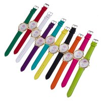 relógios de imitação venda por atacado-2016 Novas Meninas Pulseira Assista Dreamcatcher Amizade Das Senhoras Das Mulheres Rose Dial Ouro Relógios De Couro Genebra Assista