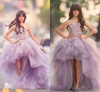 kızlar için lila elbiseleri toptan satış-2019 Yeni Kızlar Pageant elbise Prenses Tül Yüksek Düşük Uzunluk Dantel Aplikler Leylak Çocuklar Çiçek Kız Elbise Balo Ucuz Doğum Günü törenlerinde 91