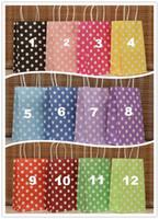 punto de papel kraft al por mayor-Nueva marca de 12 colores (21X13X8cm) Bolsa de papel kraft de lunares Bolsa de papel de regalo de moda, paquete de regalo de festival