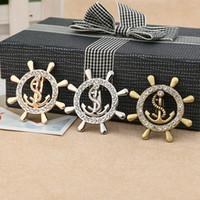 3 colori di trasporto libero nuovo film gioielli di un pezzo timone di  ancoraggio spilla moda fascino di cristallo pirata spilla per le donne  regalo f6235702cfad
