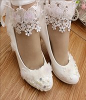 Wholesale Bride Maids Shoes - New manual white high-heeled bride wedding shoes low to dress collocation is the maid of honor Ankle strap single woman shoes
