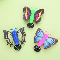 sport launch - 2017 New Colorful Launch Flying Butterfly Kids Boys Girls Outdoor Sports Toys Birthday Party Favors Gift