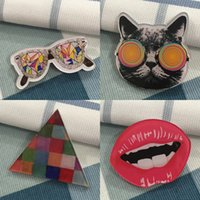 Venta al por mayor Amazing caliente Cute Shirt Harajuku Acrílico Pins Badge Bag Packbag Decoración Cartoon Único Fruto Animal Broche Gato Broche