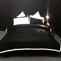 Wholesale white embroidered duvet cover - New Arrival 2018 custom logo black white king duve set brand new cotton bedding set embroidery logo queen size bedding supplies