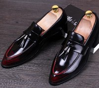 Wholesale Vintage Brogues - Vintage Male Pointed Toe Business shoes Fashion Men Flats Tassel Oxfords Patent Leather Brogue Shoes Loafers