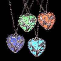 Wholesale Sweet Tins - Trendy Noctilucent Necklace Heart Hollow Pendant Necklaces Night Light Body Glow Pendant Women Sweet Gift Party