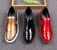 Hommes britpop Designer Chaussures scintillantes sequins punk tudded Rivet Spike Loafer chaussures Pour Homme chaussures de mariage robe noir or rouge gg214