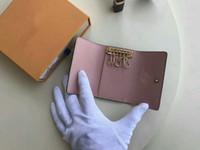kartenschlüsselhalter großhandel-Freies Verschiffen Qualität Berühmte nagelneue Frauenmannklassiker 6 Schlüsselhalterabdeckung mit box.dust Beutel, Kartenschlüsselring