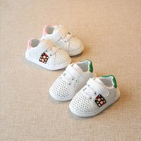 Koovan Baby Sneaker 2017 Primavera Verão Hollow Baby Toddler Small White Girls 0-1-2 anos Soft Bottom Sports Sapatos infantis Rivet boys Girl