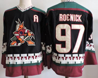 Jerseys Blancos Al Por Mayor Baratos-2017 CCM Retro Arizona Coyotes Jerseys 97 Jeremy Roenick ICE Hockey Jersey Negro Blanco Bordado baratos baratos