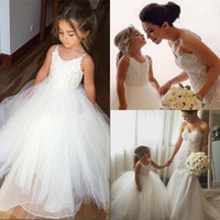 Wholesale Dress Paty - Puffy Dresses for Kids Prom Paty 2017 Cute Spaghetti Straps Flower Wedding Ball Gown Dresses White Tulle First Communions Dresses