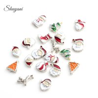 Wholesale- 20pcs / lot Livraison gratuite Enamel Noël Charms Floating Charms pour Memory Locket en verre