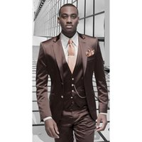 erkekler şık blazerler toptan satış-Kahverengi Saten Erkekler Suit Resmi İtalyan Tasarım Smokin Özel Şık 3 Parça Blazer Masculino Düğün Takımları (Ceket + Pantolon + Yelek)