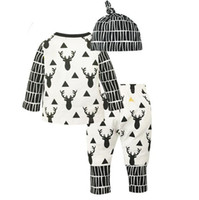 ingrosso cappello nero cappello superiore-3 pezzi / set INS bambini di Natale Toddler bambini Top manica lunga Elk Pattern T Shirt + Stripe Pants + Hat Outfit Black White Clothes
