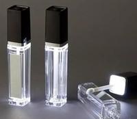 botellas espejadas al por mayor-Contenedor de brillo de labios con luz LED de 8 ml 2017 Botella de brillo de labios con espejo en una cara 300 piezas arriba