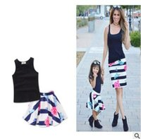 Wholesale Floral Vest Outfits - Mother and Daughter Matching Clothes Outfits 2017 Summer Cotton Vest Tops Floral Skirt Dress Mother and Daughter Clothes Family Clothing