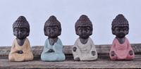 estatuas en casa al por mayor-Pequeña estatua de Buda Monje Estatuilla India Mandala Té Artesanía de cerámica Adornos decorativos para el hogar Miniaturas