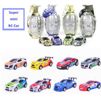 Vente en gros - Rc Car Mini 4CH 12 couleurs Grenade Shape Car Toys Micro High Speed ​​Télécommande Batterie Car Race Car Toys For Boys