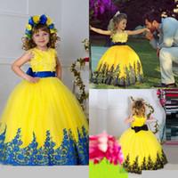 vestidos de bola amarilla para los niños al por mayor-2017 Precioso Rosa Vestido de Bola Amarillo Niñas Vestidos Del Desfile Princesa con Apliques Jewel Vestidos de Fiesta de Cumpleaños para Niños Ropa Formal de Halloween