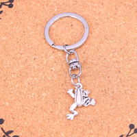 Wholesale frog keychains resale online - New Fashion frog Keychains Antique Silver plated Keyholder fashion Solid Pendant Keyring gift