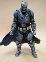 170610 QIUCHANY Play Arts Kai Dawn Of Justice Batman PVC 27 cm Figura de ação Brinquedos Presentes com caixas