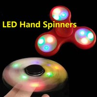 Spine a mano LED con interruttore di accensione su off Fidget Spinner Tri-Spinner EDC Decompression Toy Tempo di riduzione e tempo di uccisione dello stress