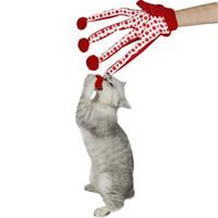 rote katzenkugeln großhandel-Haustier-Spielzeug-Katze-reizender Spielzeug-Ball-lustiger Welpen-nette Tupfen-Kratzer-Handschuh-Spielzeug-Rot- / Grün- / Blau-Farben-Spiel mit Kätzchen