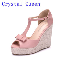 Crystal Queen Women Sandals Wedges Sapatos Plataforma Sandálias de salto alto T Belt Women Sandals Chanp Rope Straw Braid Wedding Shoes