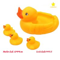 Baby Bath Toy Sound Rattle Enfants Enfant Kids Mini Yellow Rubber Duck Swimming Bathe Cadeaux pour enfants Chid