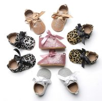 Wholesale Leopard Walking Shoes - Autumn Children Girls 2017 Party Sparkling Sequins Bowknot Belt Shoes Leopard Soft Soled Shoe Prewalker Baby Walking Antiskid Shoes B4784