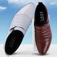 schwarze taupe sandalen großhandel-italienische sommer sandalen herren designer marke slip on oxford schuhe für herren spitz kleid schuhe leder hochzeit schuhe mann italien schwarz weiß