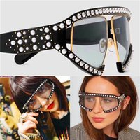 Wholesale Popular Eyewear Quality - Fashion popular avant-garde style oversized goggles inlaid pearl rivets frame and legs top quality uv protection eyewear with box 0234