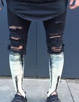 Wholesale Men Skinny Leg Jeans - Knee position following dyed white Knee Hole male Trouser Leg Zipper 2017 Biker Jeans Men Slim Skinny Destroyed Torn Jean Pants