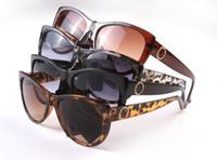 fábrica retro al por mayor-Las gafas de sol de la marca de fábrica de la manera venden al por mayor 8015 gafas de sol de la tendencia de la moda europea y americana gafas de sol del gato gafas de sol retro precio de fábrica