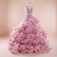 2018 Luxury Cloud Designer Red Pink Tulle Sweetheart Ball Gown Corte dei treni Abiti da sposa Plus Size Bordare Abiti da sposa Lace Up