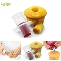 kuchen corer plunger großhandel-Delidge 20 Stücke Cupcake Corer Werkzeuge Muffin Kuchen Gebäck Corer Modell Plunger Cutter Dekorieren Kunststoff Kuchen Graben Löcher Gerät