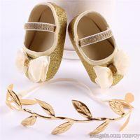 şirin çizmeler ayakkabıları toptan satış-Yeni Sevimli Bebek Ayakkabı Bandı seti ile Çocuklar Bebek Parlak yürüteç ayakkabı bebek Yürüyor Yay BOOTIES Prenses Ayakkabı Yaprak ...