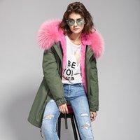 büyük kürk ceket ceketi toptan satış-2017 yeni Yüksek kalite moda kadınlar lüks büyük rakun kürk yaka ceket tavşan yün hood ile sıcak kış ceket astar parkas uzun üst