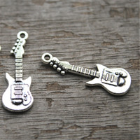 tono para guitarra al por mayor-25pcs - Encantos de la guitarra, antiguas Tibetan Silver Tone Guitars Charm Pendants 31x11mm