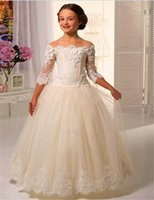 Tre quarti vestiti da fiori fioriti per le matrimoniali Girls Lace Applique floor-lunghezza Tulle First Dress Comunion abiti