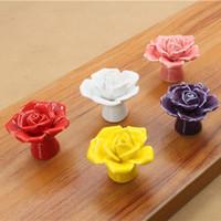 blumentür zieht großhandel-Hochwertige Kreative Tür Schubladenschrank Schrank Stoßgriff Rose Flower Knob Keramik Mit Schrauben Freies Shippin