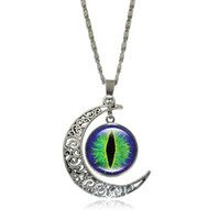 Wholesale Necklace Half Moon - Glass Cabochon Pendant Necklace for Women Vintage Jewelry Evil Eye Art Image Ancient bronze Half Moon Accessories Chain Necklace