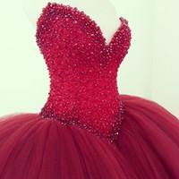 vestidos de novia rojos vestidos al por mayor-Vestidos de novia de tul de bola de tamaño más el rojo oscuro 2018 Perlas de novia sexy de cuentas de boda vestidos de novia Modest Puffy vestido de novia barato