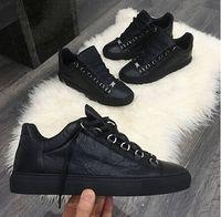 marcas de grife couro venda por atacado-2017 Novo Designer Nome Da Marca Homem Sapatos Casuais Plana Kanye West Moda Couro Enrugado Lace-up Low Cut Formadores Runaway Arena Sapatos Tamanho 46