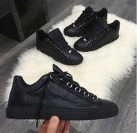 deri tasarımcısı markaları toptan satış-2017 Yeni Tasarımcı Adı Marka Adam Rahat Ayakkabılar Düz Kanye West Moda Buruşuk Deri Dantel-up Düşük Kesim Eğitmenler Runaway Arena Ayakkabı Boyutu 46