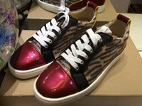 MBF996Zj Taille 35-47 Hommes Femmes Leopard Print Glitter Cuir Vins Red Toe Low Top Lace Up Chaussures de mode, Unisex Luxe Design Chaussures Casual